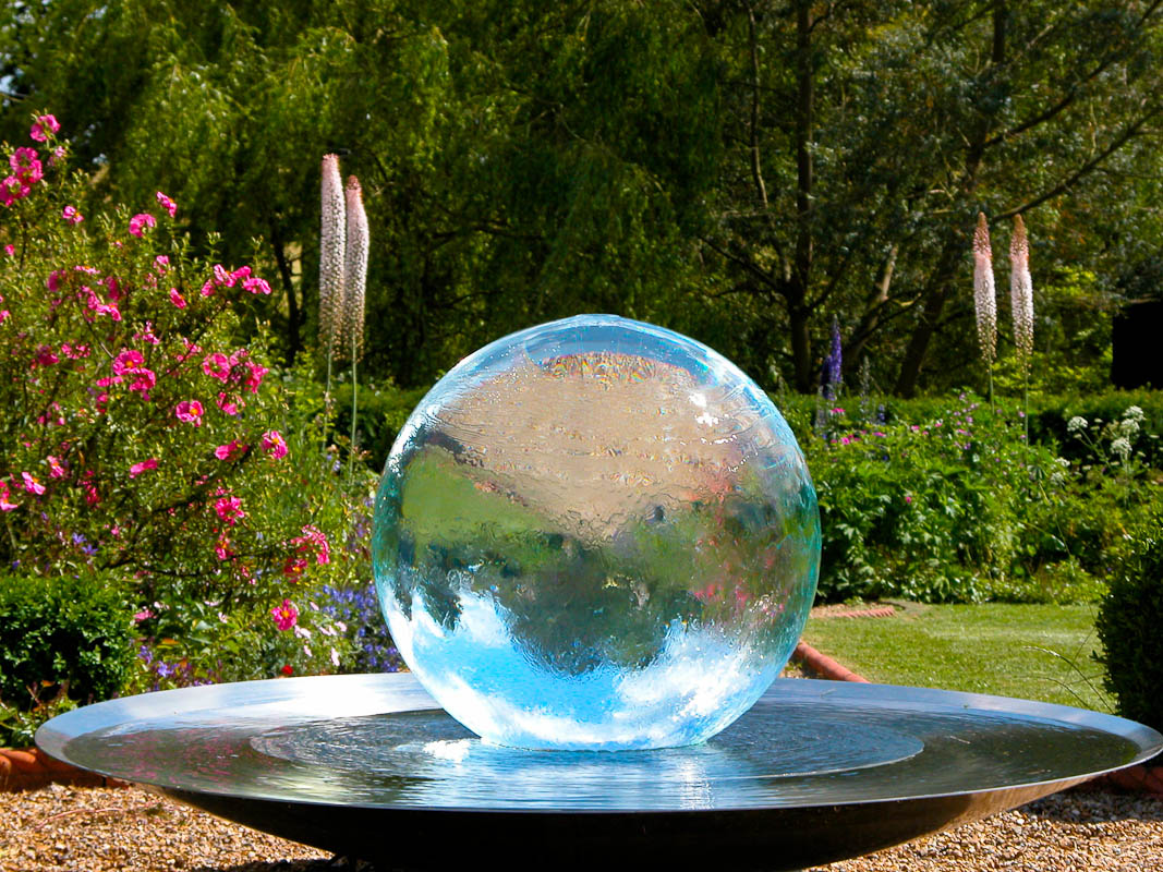 sphere fountains water features for your garden. Black Bedroom Furniture Sets. Home Design Ideas