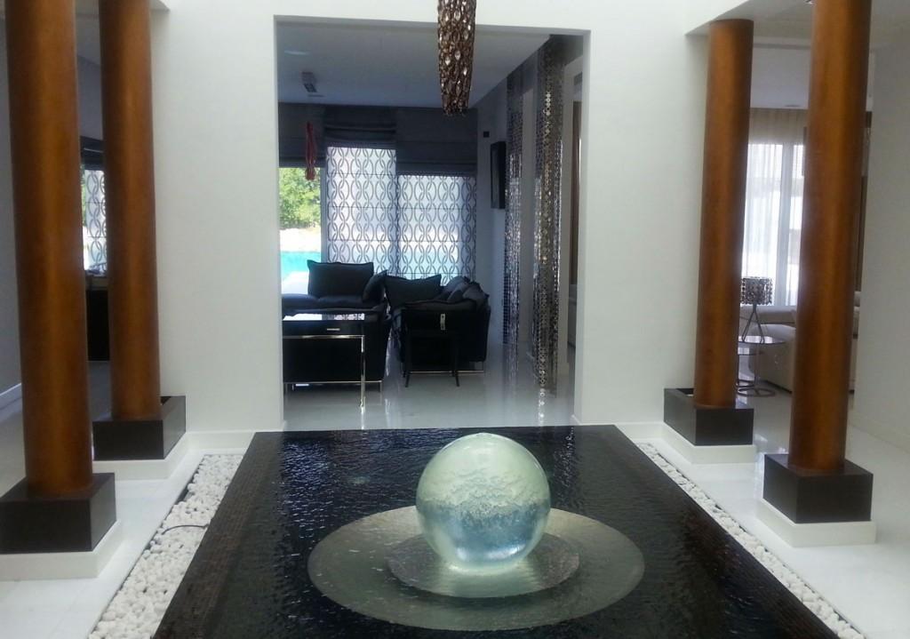 uae sphere fountain