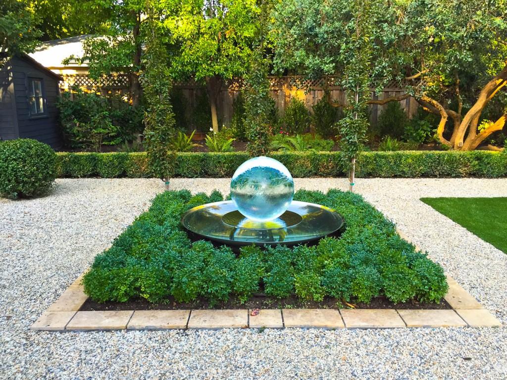 Kingsbury garden designs aqualens allison armour sphere for Sphere garden design
