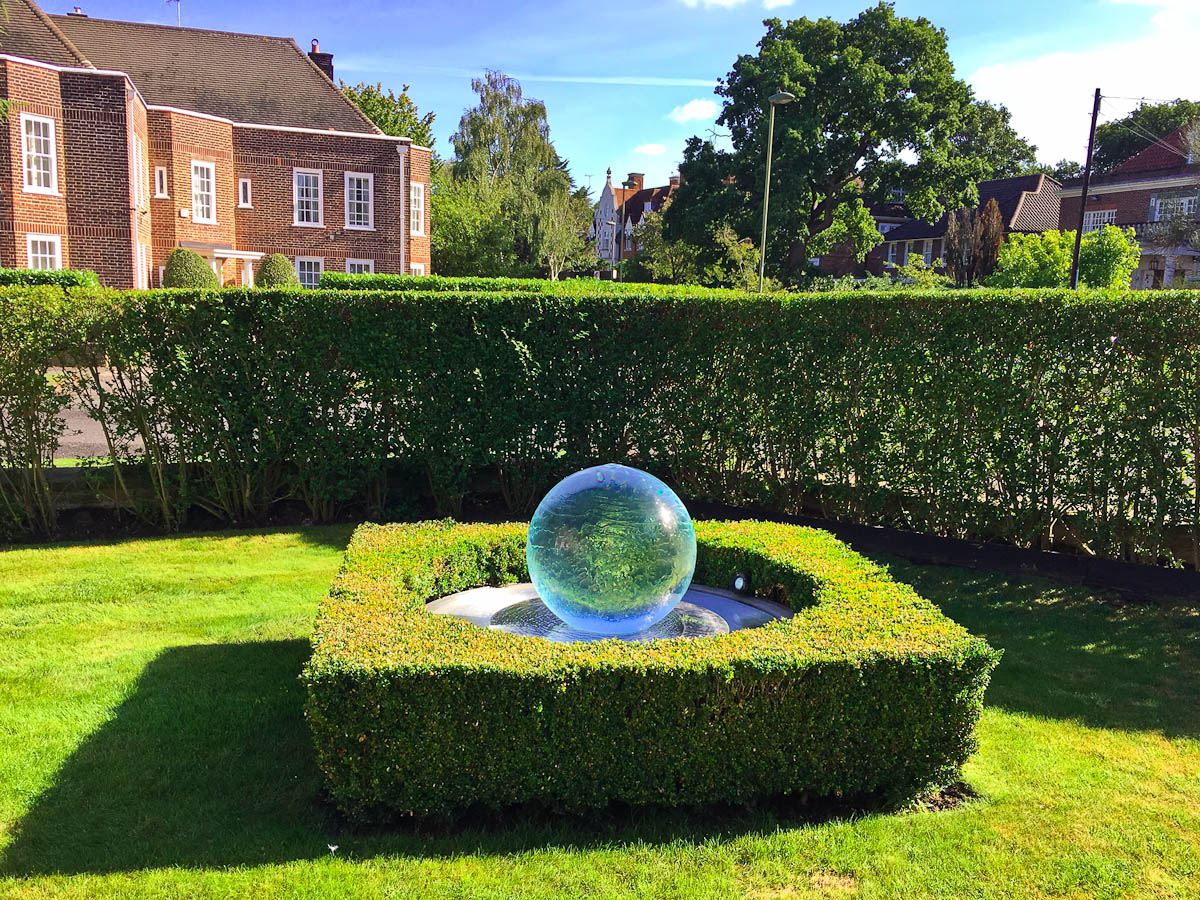 box-topiary-sphere-fountain-1