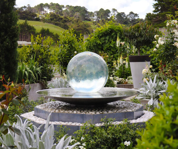 aqualens-sphere-fountain-pedestal
