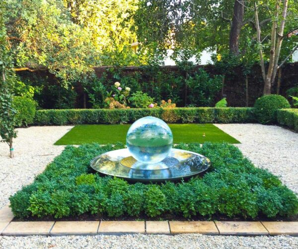 gardenpatio-sphere-fountain